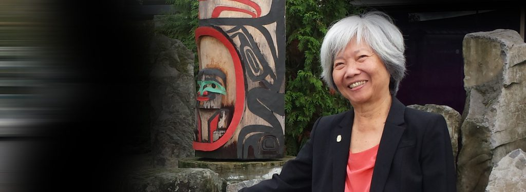 Mercedes Wong mentoring at the Aboriginal Mother Centre in Vancouver, BC